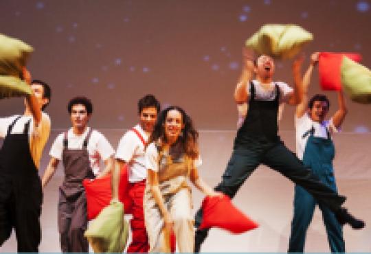 Πάμε Θέατρο -Τα μαγικά μαξιλάρια- του Ευγένιου Τριβιζά -Θέατρο Ολύμπιον