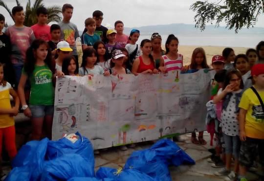 5-6-2015 Ημέρα Περιβάλλοντος- καθαρισμός παραλίας