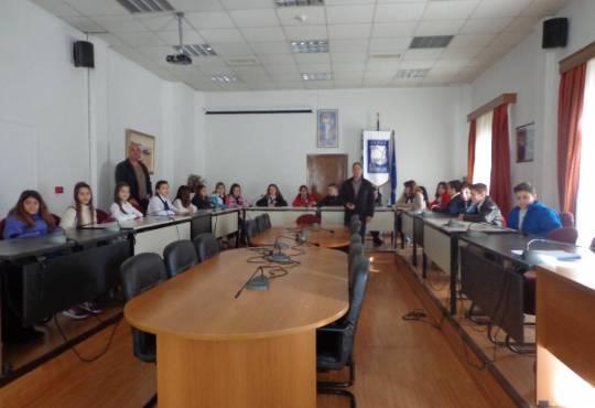 Επίσκεψη στο Δημαρχείο Μουδανιών
