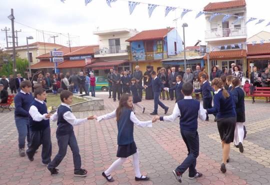 παραδοσιακοί χοροί Ε΄ και Στ΄τάξη -28-10-2014